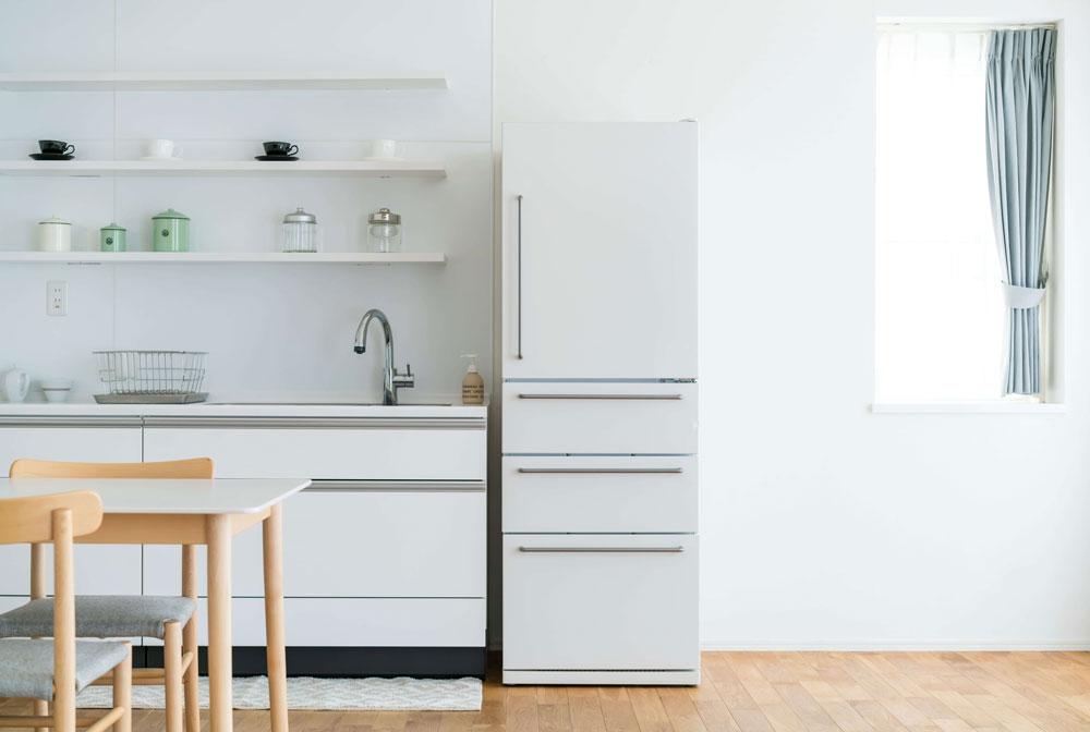 家庭の食卓を支える冷蔵庫の電気代の相場はいくら?