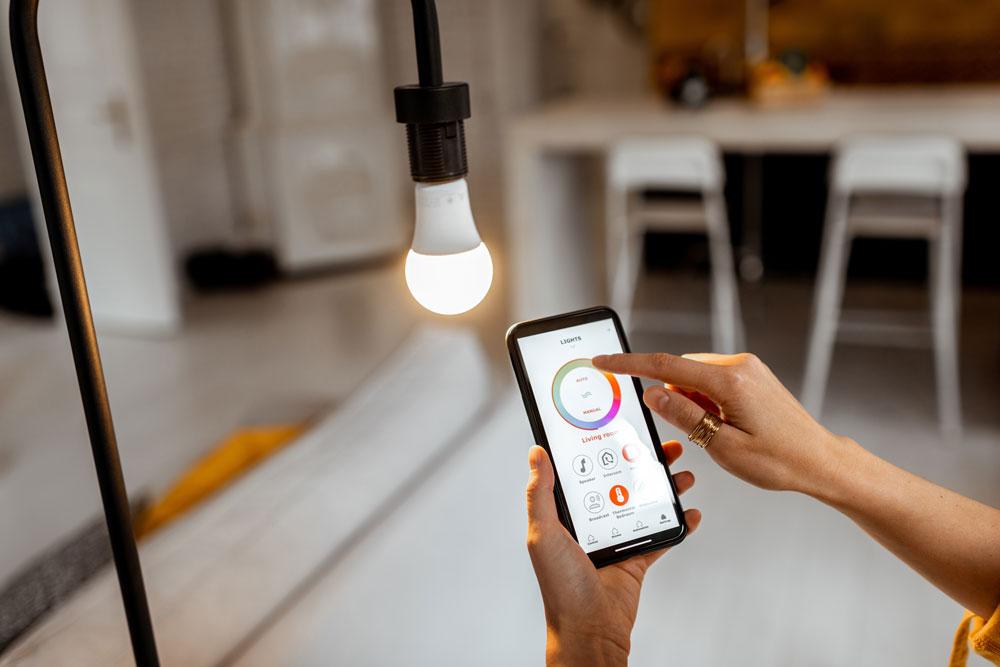 進化するスマート家電がおうち時間を変える!?気になる近未来の家の電気代